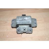 Motorlager links 1K0199555N VW Touran 1.9L TDI BLS